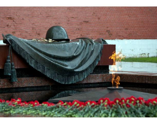 В Таганроге в мешке 3 года покоятся  останки солдата из Ростова, похоронить его никто не спешит