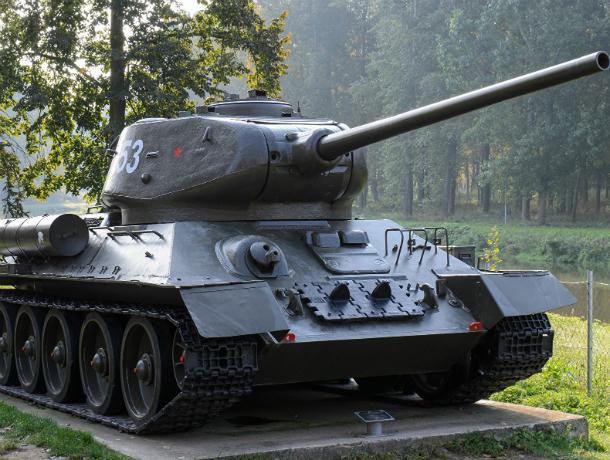Таганрогский музей  объявил о покупке  макета танка Т-34 и немецкой пушки за 7 млн рублей