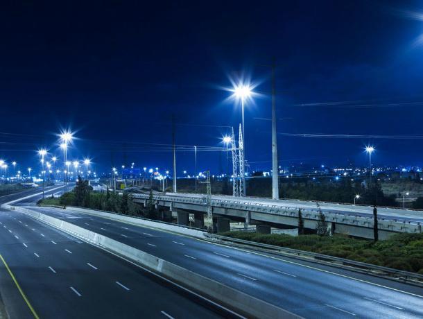 На улицах Таганрога установили более тысячи новых фонарей