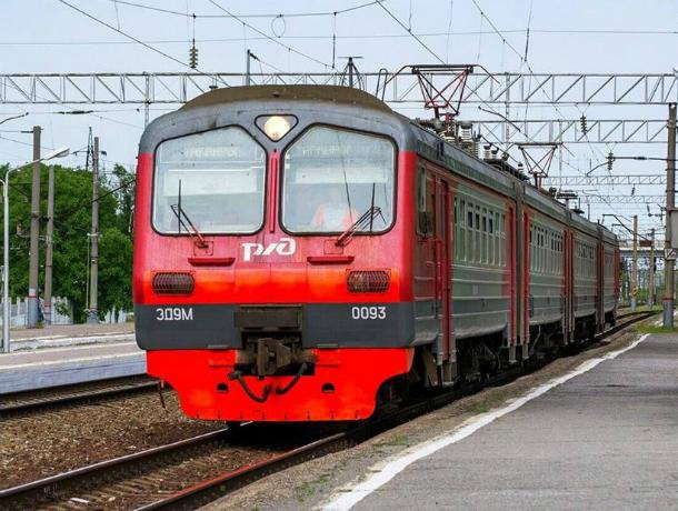 Изменилось расписание поезда, который следует из Ростова в Таганрог и обратно