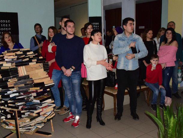 Первая выставка концептуального искусства проходит в Таганроге