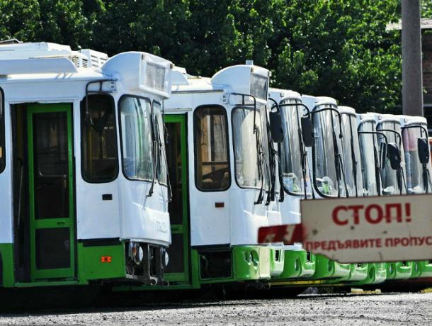 Липецкие  подержанные  троллейбусы: хлам изменил цвет  и  его выпустят на линии возить таганрожцев