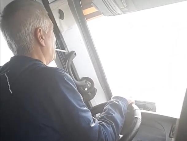 Водитель маршрутки Ростов-Таганрог устроил пассажирам поездку с «дымком»