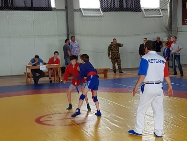 Таганрогские спортсмены завоевали Первенство по самбо