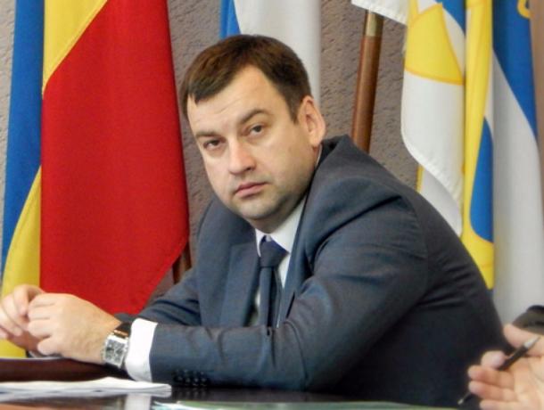 Сегодня  День рождения у главы администрации Таганрога  Андрея Лисицкого