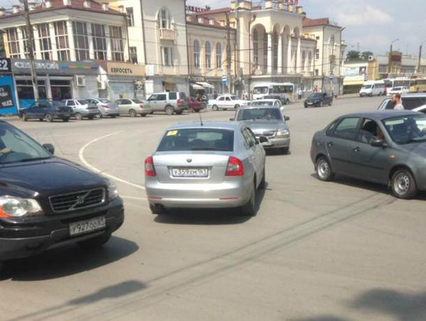 В районе Нового вокзала произошла авария, нарушитель сбежал