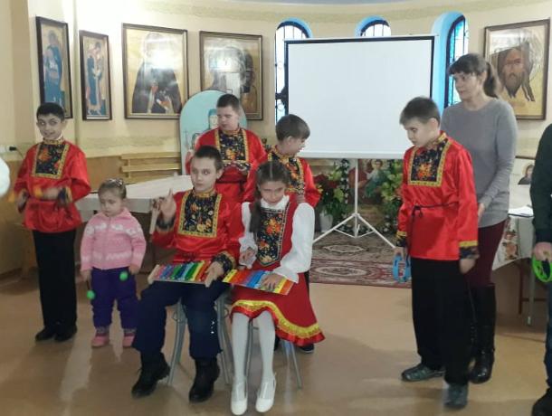 Дети-инвалиды   отметили День матери в храме Таганрога