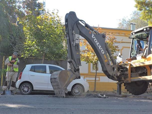 Бесконечные провалы, латки да заплатки: итоги состояния дорог в Таганроге в 2018 году