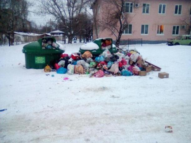 «Как избавиться от мусорного соседства?», вопрошает таганроженка