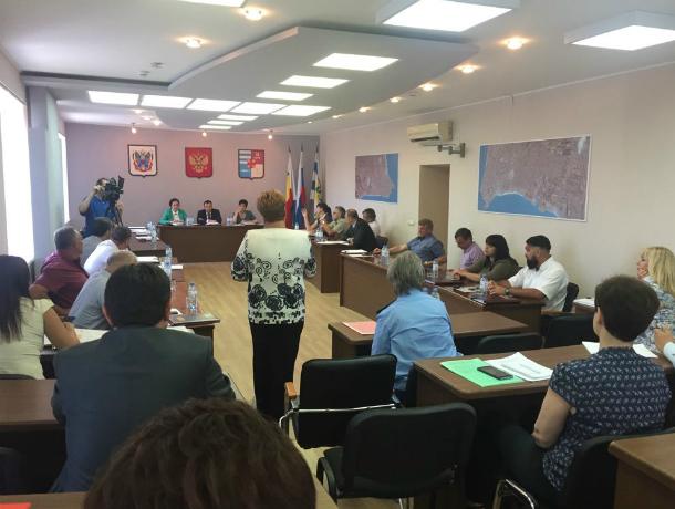 Депутат Артем Екушевский учинил разнос администрации города за неработающие ливневки