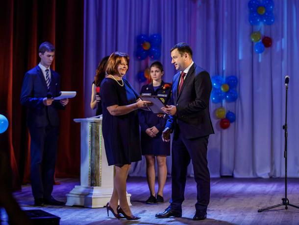 В СКЦ «Приморский» прошел праздник посвящения в студенты