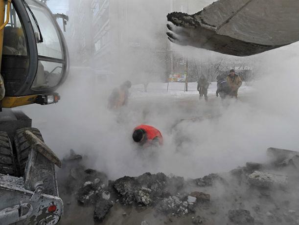 Таганрог испытывает трудности с водоснабжением из-за крупного прорыва новой трубы