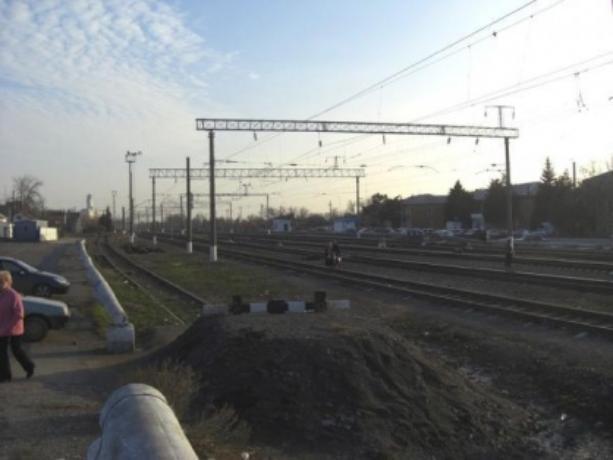 Под Таганрогом погибла 15-летняя девочка на железной дороге