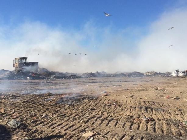 Пожар на таганрогской свалке на контроле МЧС