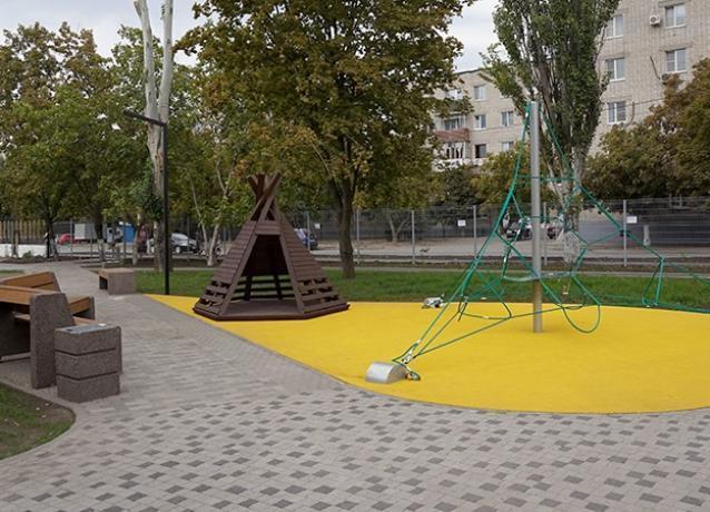 Содержать сквер «Западный» властям Таганрога поможет депутат