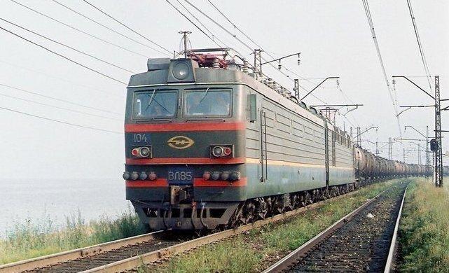 ВРостовской области мужчина иженщина попали под грузовой поезд