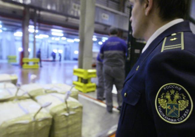 В Таганроге задержали партию нелегальной табачной и алкогольной продукции из Украины