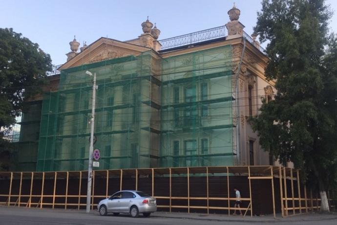 В реставрацию Дворца Алфераки вложат еще 74 миллиона рублей
