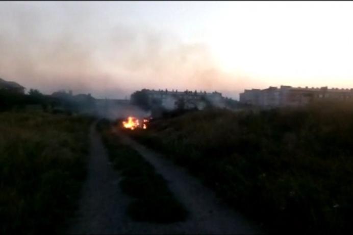 В Таганроге дважды тушили умышленные поджоги в частном секторе