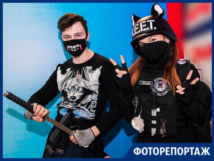 Ушки и рожки, сложные костюмы и глуповатые маски — на аниме-ярмарке в Таганроге