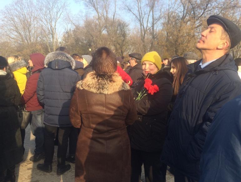 В годовщину Дня Рождения Чехова сотни таганрожцев собрались почтить его память