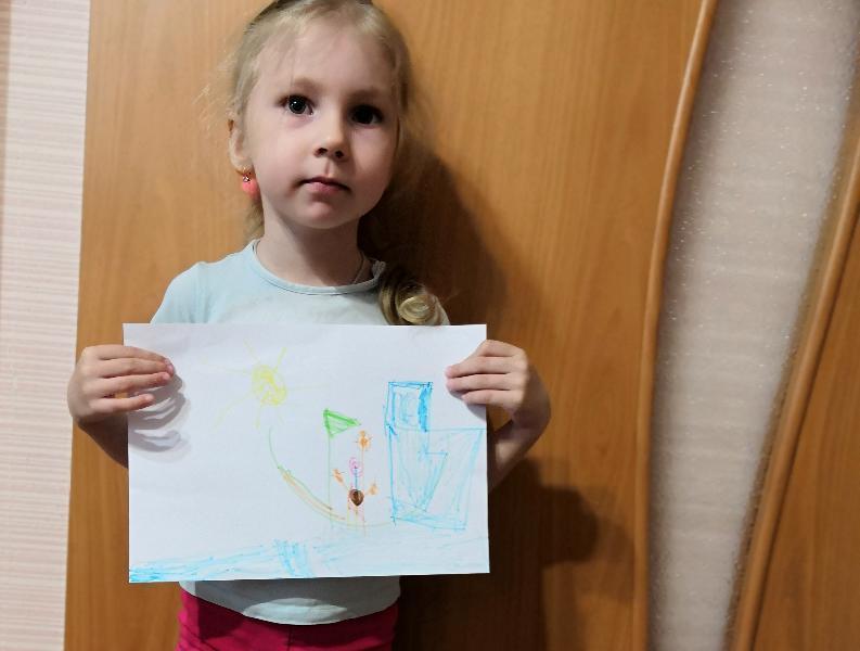 Юля Кардаильская нарисовала плывущего к лету капитана на яхте