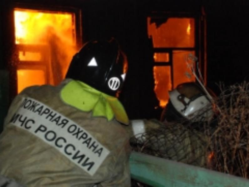 В четырех пожарах под Таганрогом на выходных спасли людей