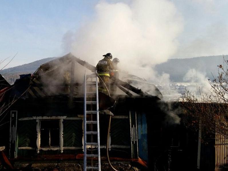 В Таганроге пожар в частном доме унес жизнь человека
