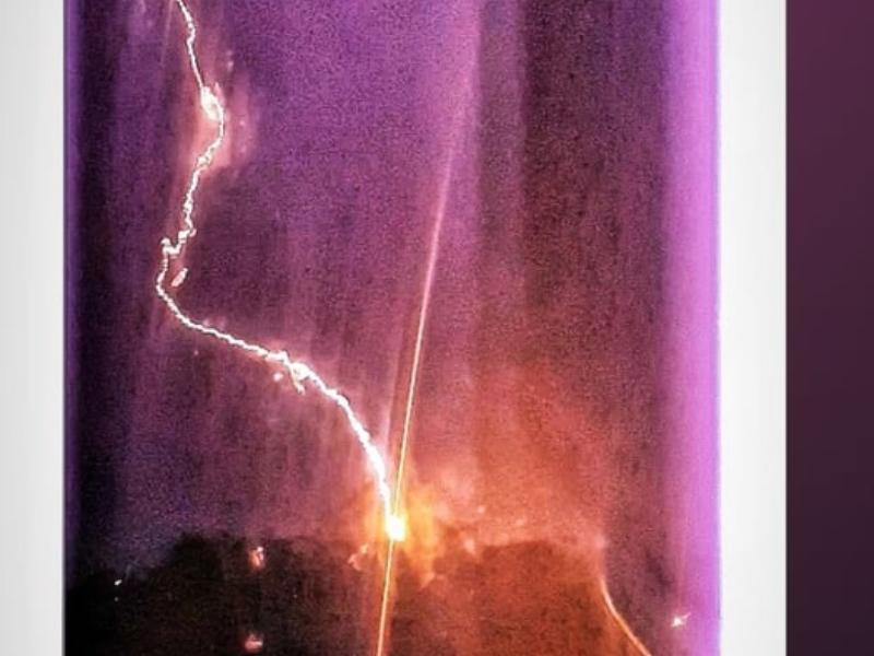 «Страшно красивая» гроза под Таганрогом сожгла электроприборы