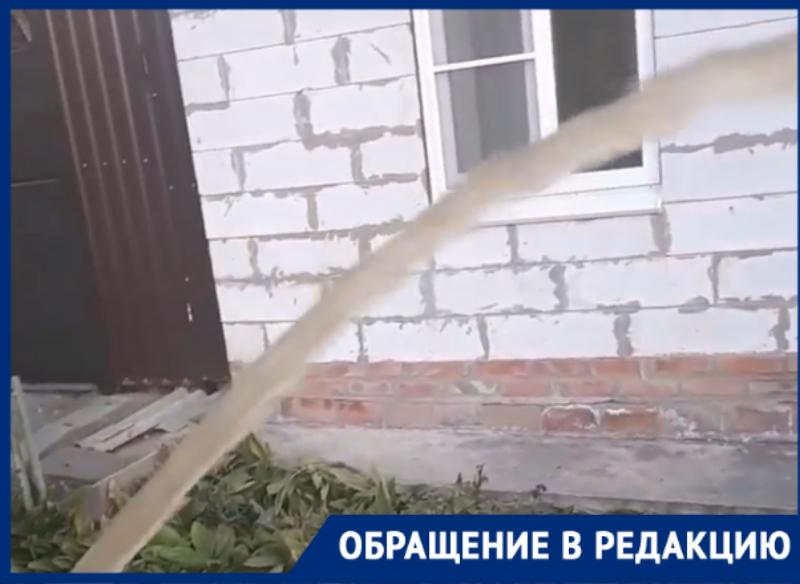 Желтая водопроводная вода в Таганроге — неожиданность или норма?