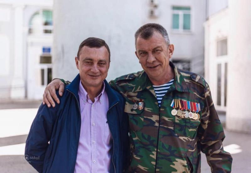 Судимые таганрогские Гарики идут к вам -  расскажут про баррикады и свою «честность»