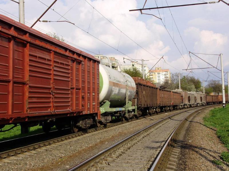 В Таганроге подростка ударило током высокого напряжения при подъеме на грузовой вагон