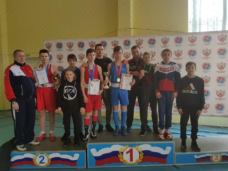 Таганрожцы привезли пять медалей с Первенства области по боксу