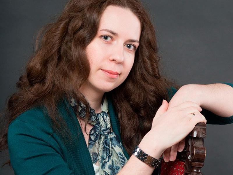 «Костюм — это язык коммуникации»: зарубежный эксперт возглавила жюри конкурса в Таганроге