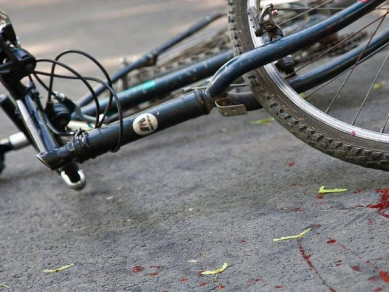 В Таганроге «шестерка» сбила велосипедиста на опасном повороте