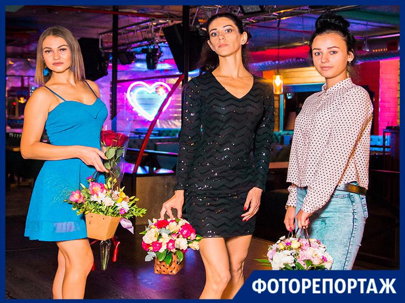«Блокнот Таганрог» наградил победительниц конкурса «Королева пляжа» в ресто-клубе «Октябрь»