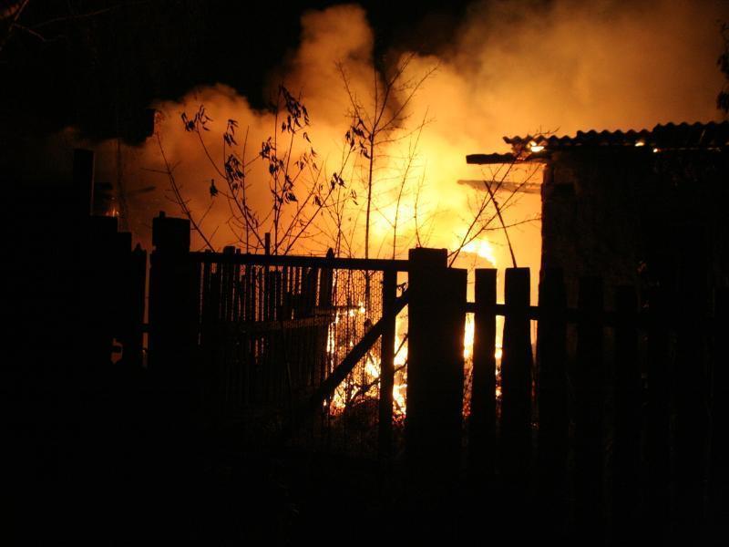 В Таганроге ночью произошел пожар в садоводческом товариществе