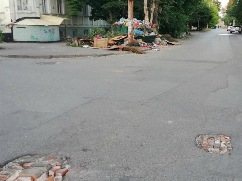 Кирпично-рельефный способ ремонта дорог придумали в Таганроге