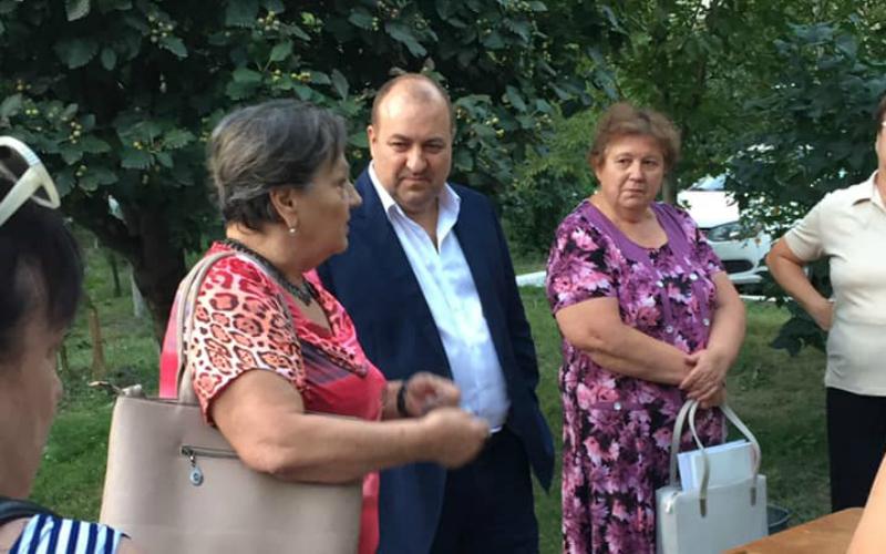 Кандидат в депутаты Валерий Завгородний проводит  встречи с жителями 24-го избирательного округа в Таганроге
