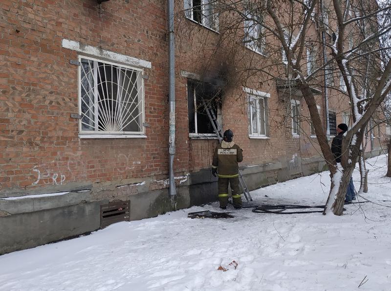 Пожар в многоквартирном доме унес жизнь таганрожца