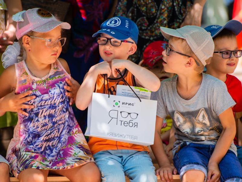 Глазная клиника и оптика «Ирис» подарили юным таганрожцам новое зрение