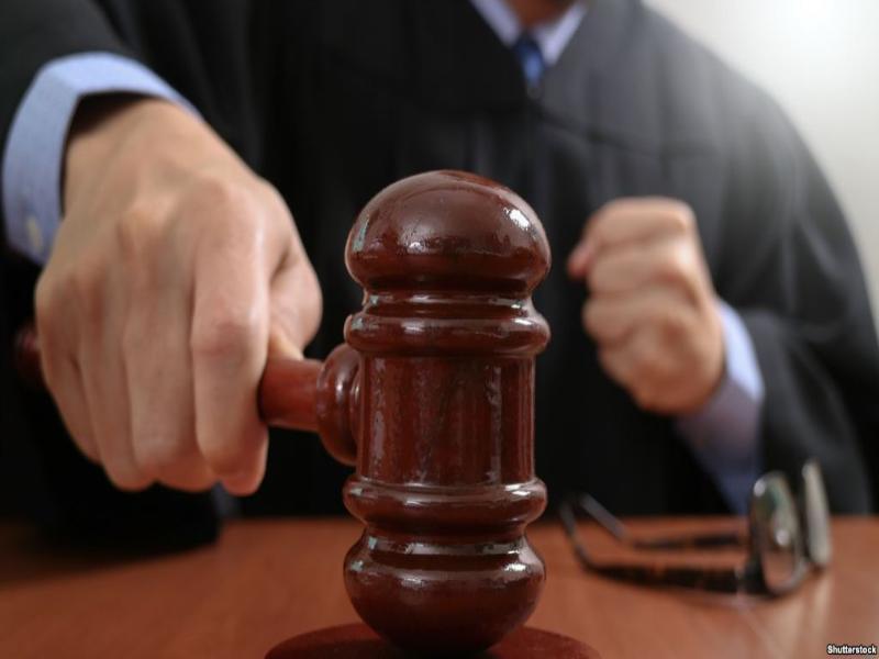 За махинации в продаже дверей таганроженку осудили на три года