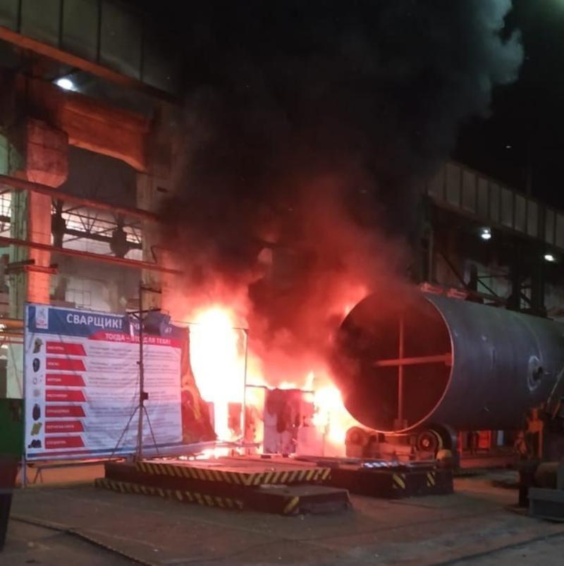 В Таганроге загорелся цех на заводе «Красный котельщик»