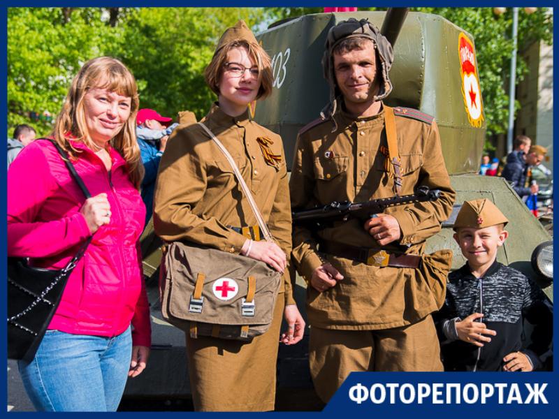 Таганрожцы показали свою фантазию, оформив автомобили к Дню Победы