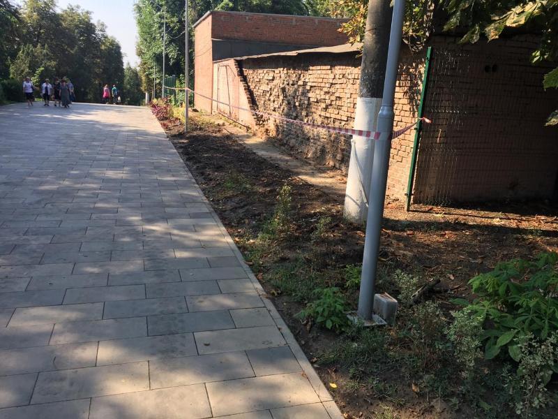«Стена относится к больнице»,- администрация Таганрога об обрушении в Приморском парке