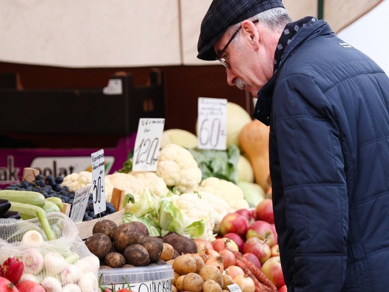 За полгода таганрожцы ощутили подорожание овощей,  фруктов и табака