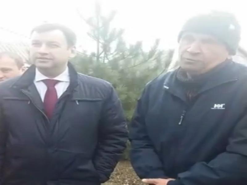 Делали «пощебенистей асфальт», а получили новые ямы в Таганроге