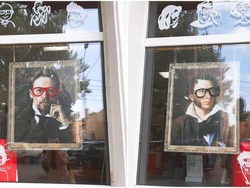 Таганрожцев возмутила реклама, уродующая портреты классиков