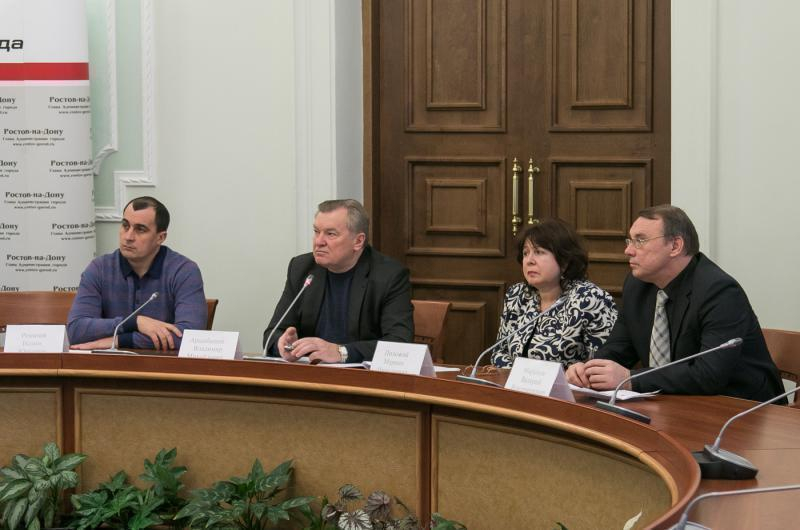 В администрации Ростовской области предложили лишать УК лицензий за плохую уборку снега
