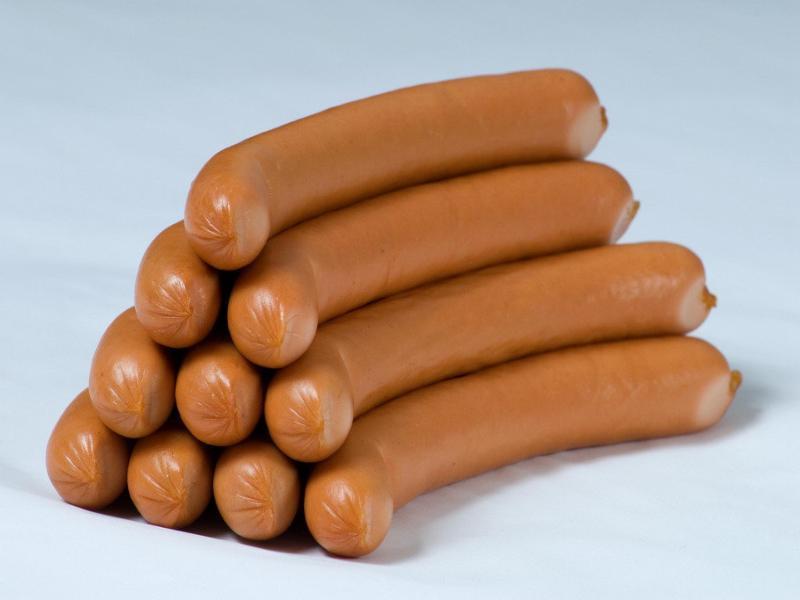 В магазинах Таганрога могут продаваться  опасные сосиски